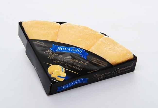 salgadinhos de queijo parmesão