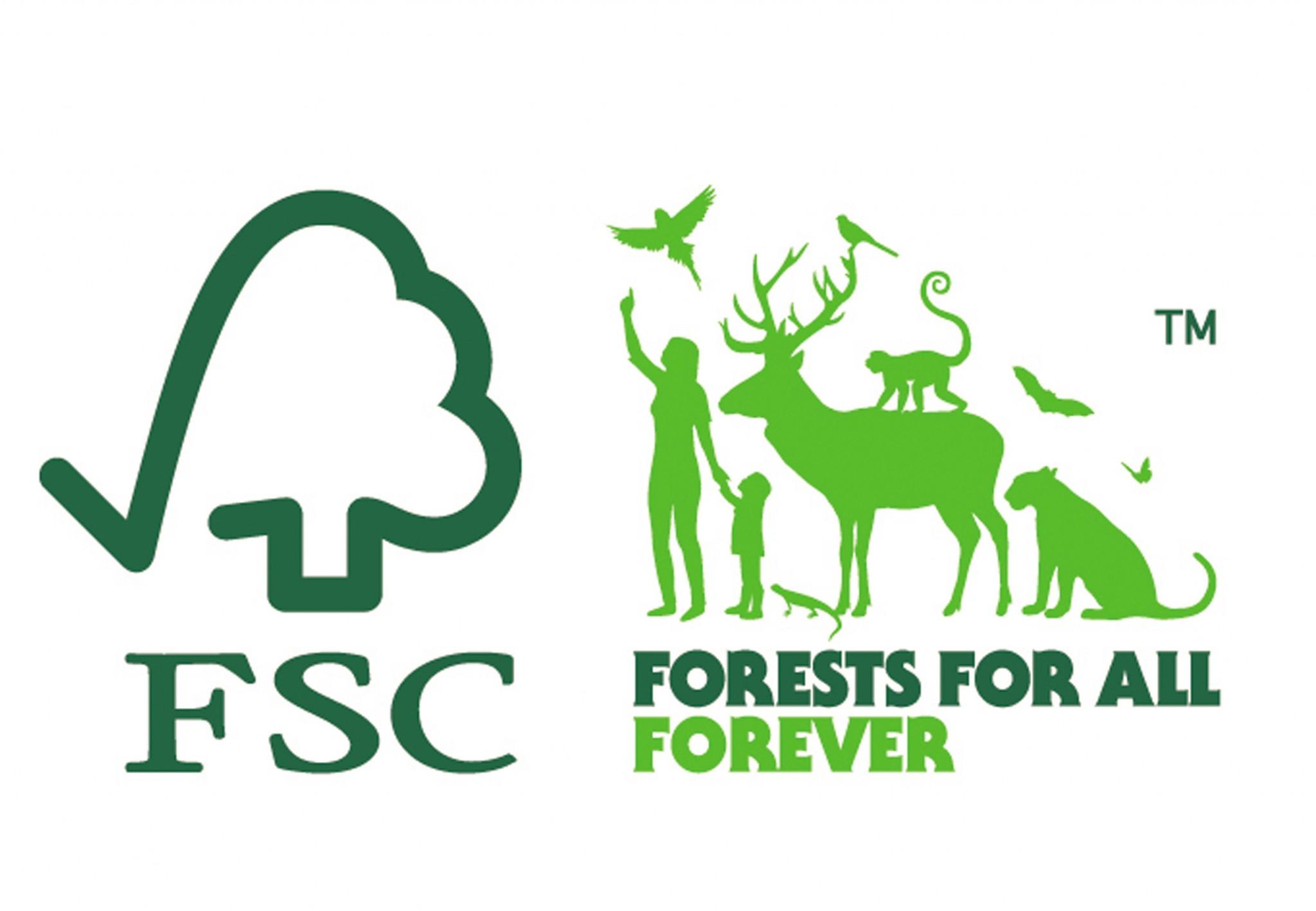 O novo logo com o slogan Florestas para todos