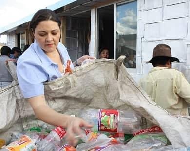 Participa-DIF-municipal-en-proyecto-Techamos-una-Mano-1
