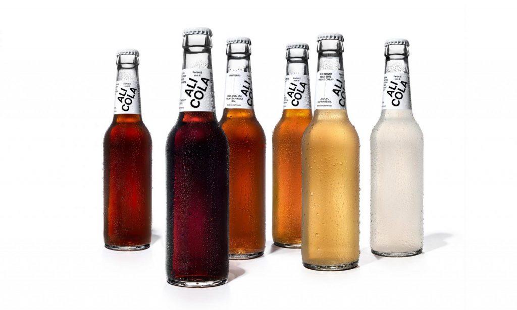 Para combater o preconceito racial, a marca Para combater o preconceito racial, a marca alemã Ali Cola lançou versões do seu refrigerante em várias cores representando tons de pele, sem alterar o sabor do produto